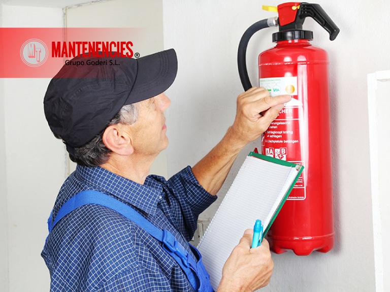 Peligros mantenimiento de extintores